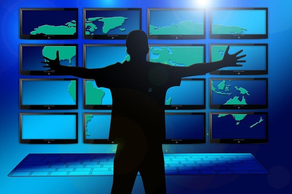 surveillance man online monitor